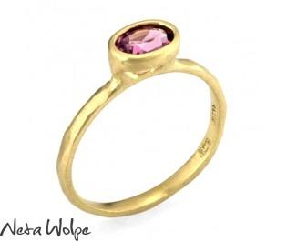 טבעת זהב משובצת אבן טורמלין