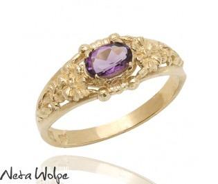 טבעת פרחונית בסגנון האר נבו משובצת אמטיסט