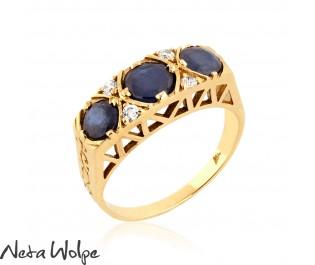 טבעת זהב משובצת יהלומים וספירים