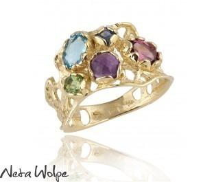 טבעת זהב משובצת באבני חן צבעוניות