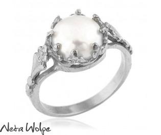 טבעת זהב ויקטוריאנית משובצת פנינה