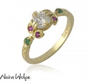 טבעת זהב חגיגית משובצת ביהלום ואבני חן