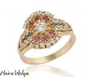 טבעת פסיפס מהודרת משובצת אבנים יקרות מזהב 14 קראט