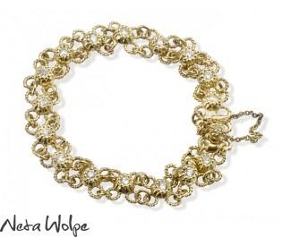 צמיד זהב פרחוני משובץ יהלומים