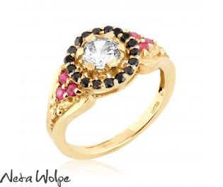 טבעת אירוסין מלכותית משובצת יהלומים ורובי