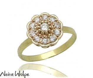 טבעת פרח משובצת יהלומים ואקוומרין