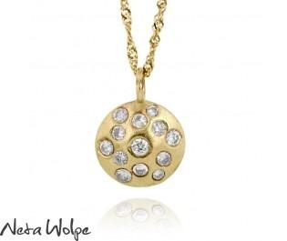 שרשרת זהב עם תליון משובץ יהלומים