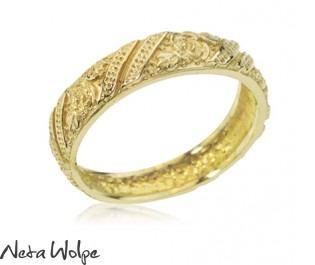 טבעת נישואין פרחונית
