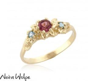טבעת אירוסין פרחונית משובצת טורמלין ובלו טופז