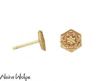 עגילי זהב צמודים בצורת משושה