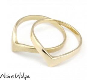 טבעת וי בסגנון האר דקו