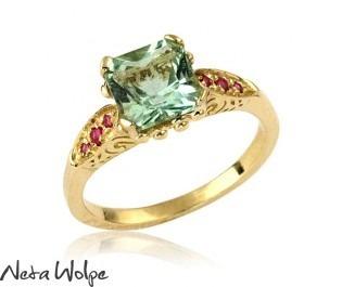 טבעת משובצת בריל ורובי בסגנון אר דקו