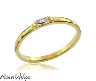 טבעת יהלום חיננית ועדינה